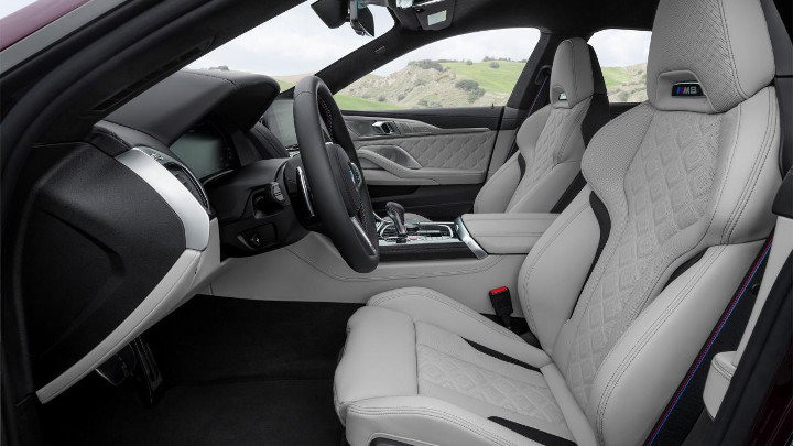 BMW M8 Competition Gran Coupe interieur